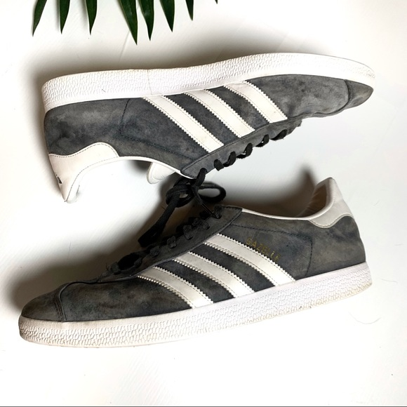 baia di prima qualità Generatore  adidas Shoes   Gazelle Grey Suede Sneakers Sz 10   Poshmark
